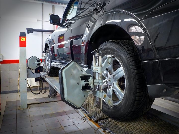 wheel alignment leeds